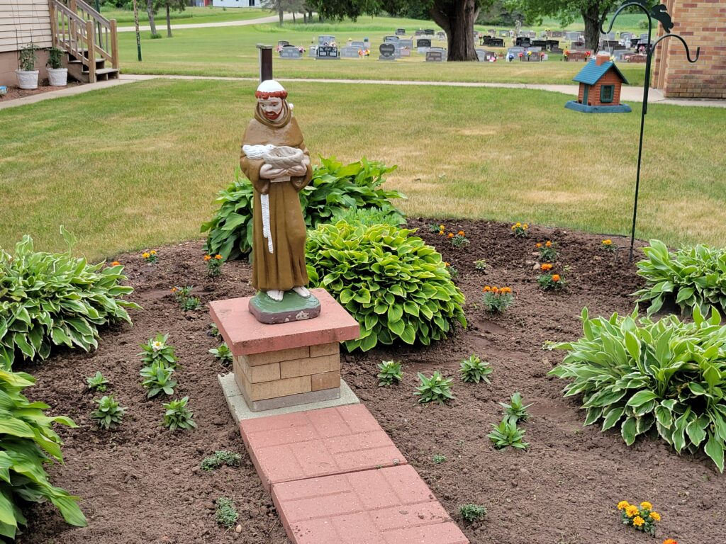 A statue of St. Fransis